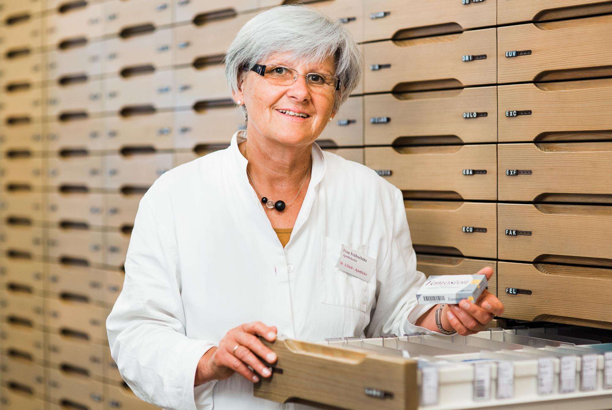 Businessfotografie, Businessfotograf Weilheim-Schongau Portraitbilder Mitarbeiter für St. Ulrich Apotheke