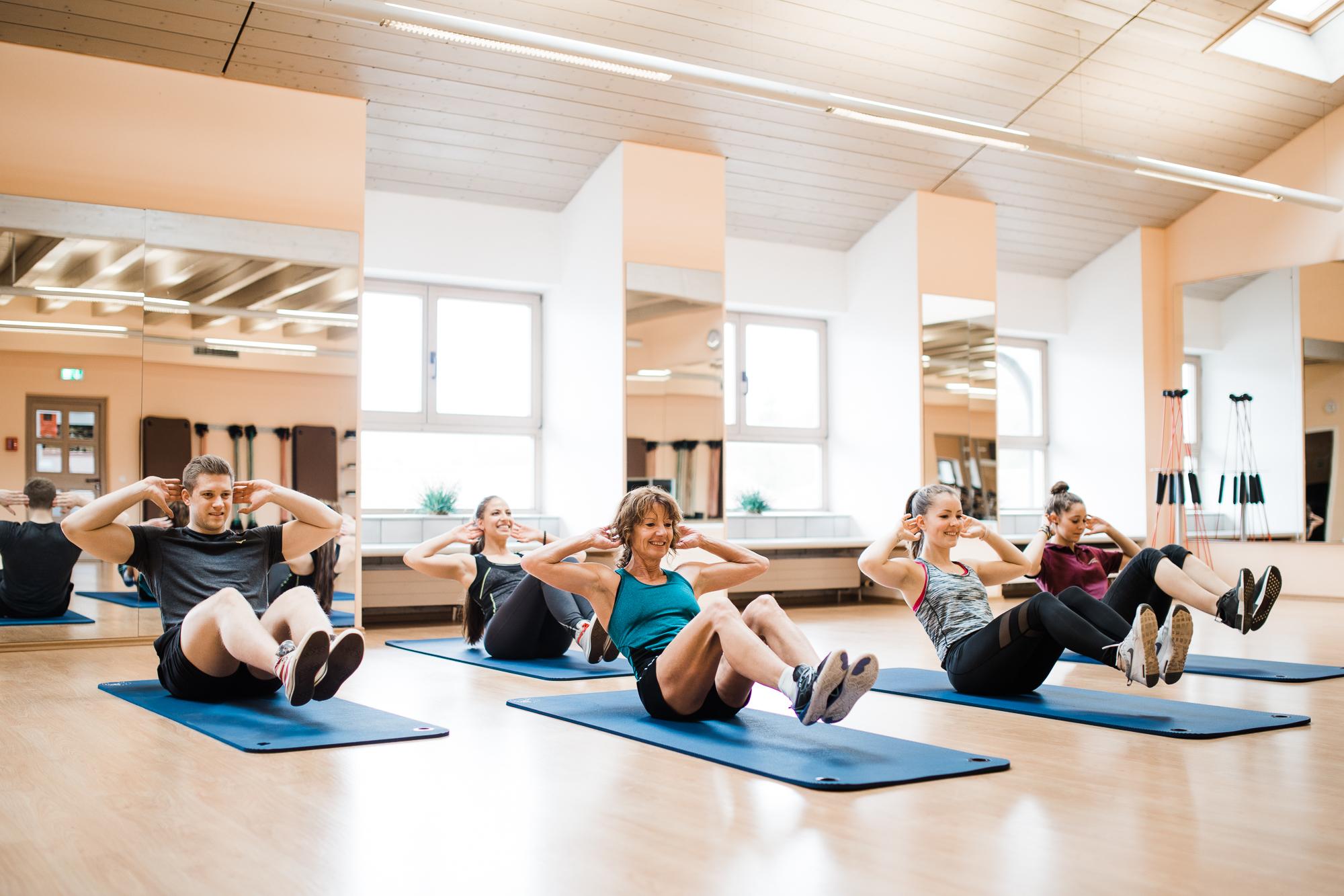 Yogagruppe im Sportstudio Guffanti